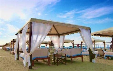 Bagno Twiga Prezzi by Twiga Spiaggia Discoteca Forte Dei Marmi