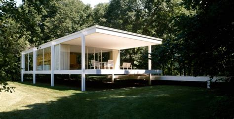 farnsworth house plano il america s most iconic private homes glass house fallingwater aarp