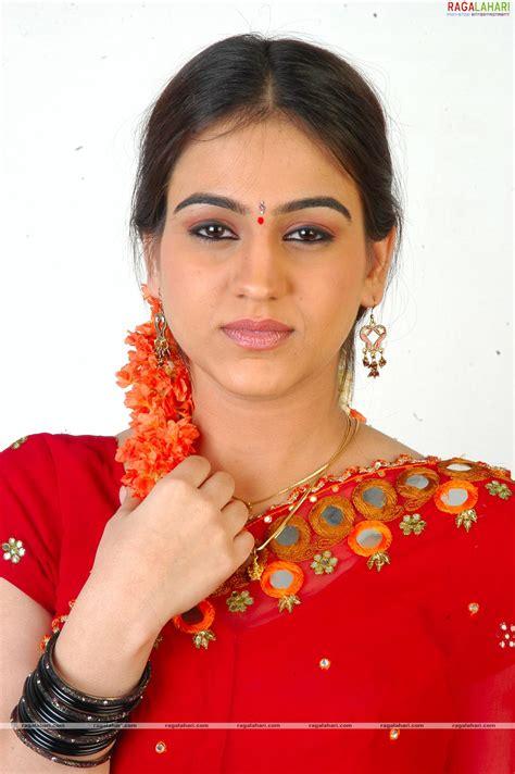 actress karuna ragalahari yuvatha