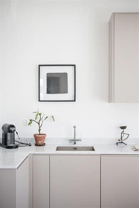 small minimalist kitchen design 1000 ideas about minimalist kitchen on