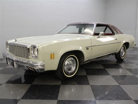 White 1975 Chevrolet Chevelle Malibu Classic For Sale