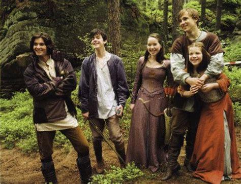 film lucy actors behind the scenes still of narnia actors during the
