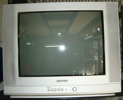 Tv Samsung Flat 21 Bekas samsung 21 quot flat crt color tv cebu appliance center