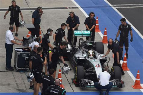 the mechanic the secret world of the f1 pitlane books nico rosberg speaks out on lewis hamilton mechanics switch