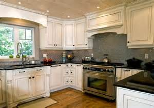 Backsplash For White Kitchen Cabinets White Kitchen Cabinets Backsplash Pictures Iecob Info