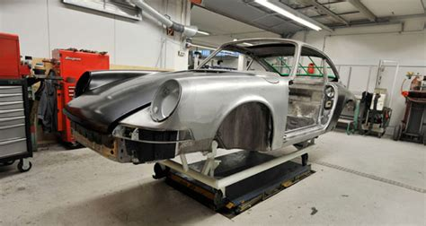 Porsche Giveaway - porsche restoring classic 911t for fan giveaway