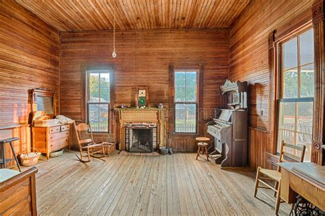 interior    farmhouse alabama editorial image