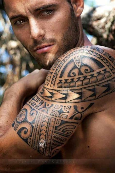 tattoo shoulder hair best 25 mens shoulder tattoo ideas on pinterest