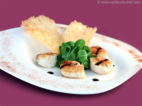 recette tuile au parmesan salade noix de jacques et tuiles au parmesan la