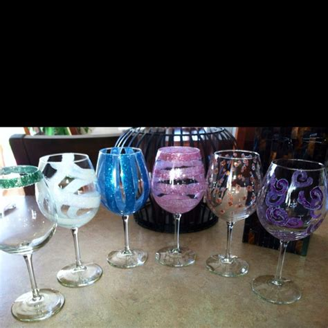 Decorating Glass With Glitter by 17 Best Images About Diy Wine Glass Decorating On