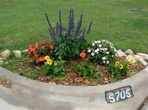 Small Memorial Garden Ideas 1000 Images About Gardening Flowers On Memorial Gardens Shade Garden And Planters
