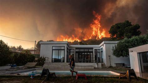 incendie  martigues  de  hectares de foret devastes  personnes evacuees lci