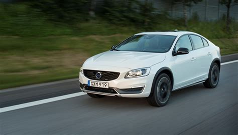 check stop l volvo s60 check out the volvo s60 cross country in 22 photos
