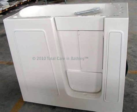 handicap walk in bathtubs model 2645 handicapped tubs handicap bathtubs walk in