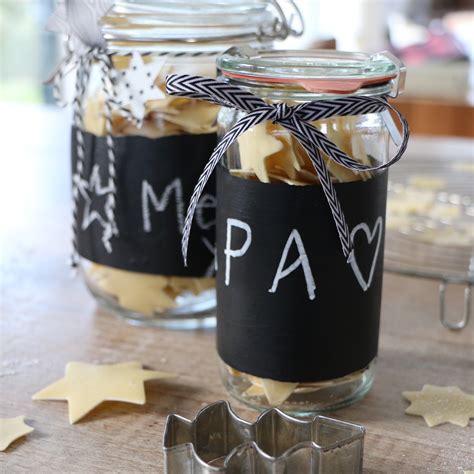tafelfarbe auf glas diy geschenkidee glas mit quot wandtafel rundum quot