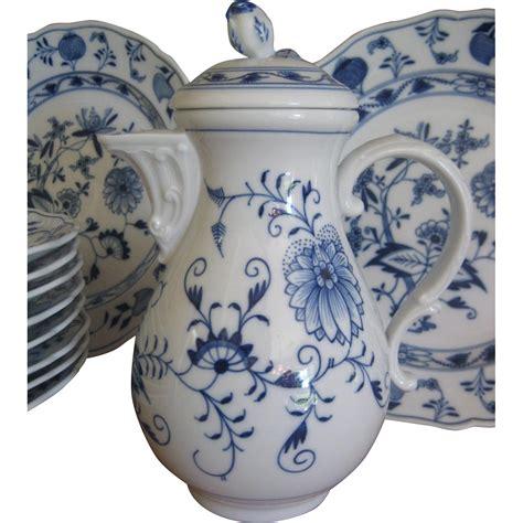 blue pattern porcelain antique meissen porcelain chocolate pot blue onion