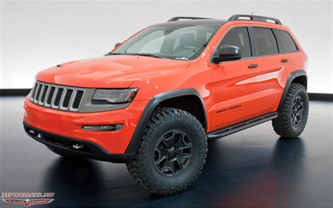 badass jeep grand cherokee the new grand cherokees look so badass jeep