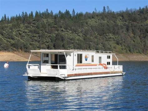 boat house rent lake shasta boat house 28 images shasta lake houseboats rentals california 9