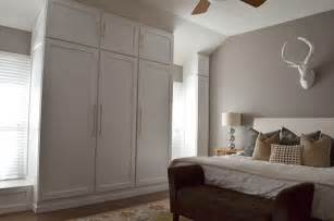 how to build a bedroom wall the happy homebodies diy how to build a wall of closets