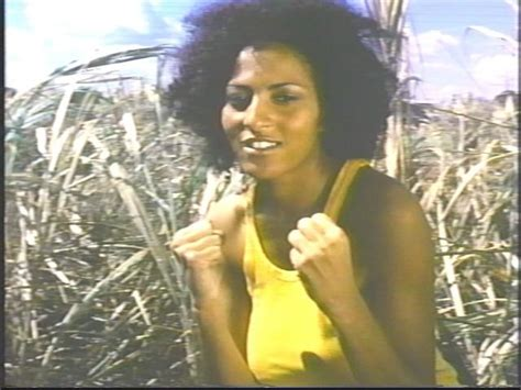 pam grier big doll house movie review the big bird cage videoport jones