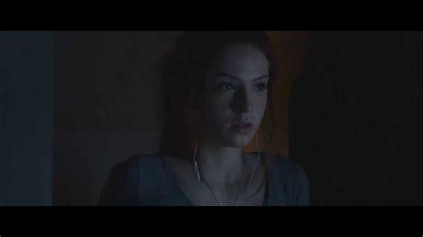 sam raimi s poltergeist try to think of it as a fun saxon sharbino as kendra bowen in poltergeist 2015 remake