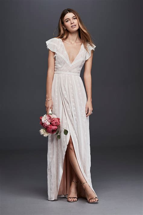 Dresses For Backyard Casual Wedding by Casual Simple Wedding Ideas David S Bridal