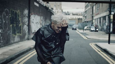 G-Dragon – Crooked MV Gallery | UK K-pop Blog - K-pop News ... G Dragon 2013 Crooked