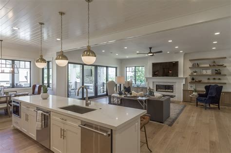 modern american farmhouse  builders utah home