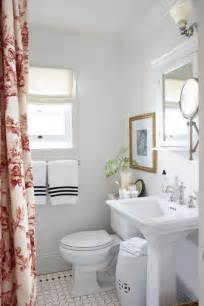 decorating ideas small bathrooms