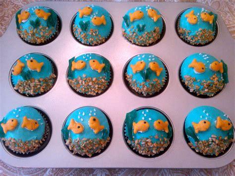 cupcake decorating ideas sugar fishbowl cupcakes cupcakes pinterest fishbowl and sugaring