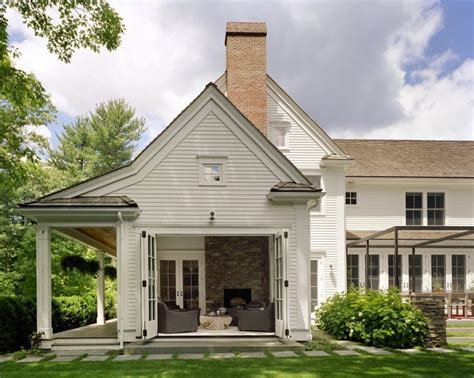 new england farmhouse architectural bliss pinterest best 25 new england farmhouse ideas that you will like on
