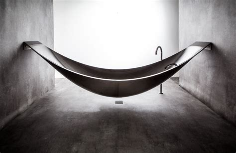 hammock bathtub a hammock shaped carbon fibre bathtub by splinter works