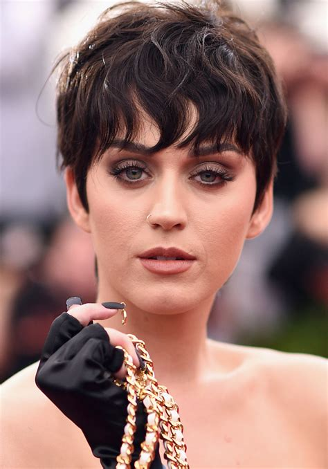 Katy Perry Sweepstakes - katy perry s big announcement pop star announces moschino modeling gig twist