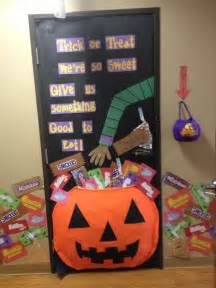 Halloween Decoration Ideas For Classroom 25 Best Ideas About Halloween Classroom Door On Pinterest