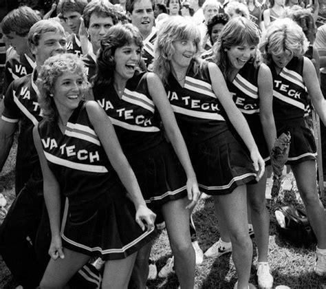 1980 cheer hair styles gimme an r for retro 35 vintage photos of high school