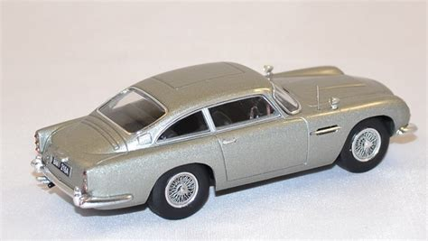 Bond Goldfinger Aston Martin 124 aston martin db5 bond 1964 hotwheels elite 1 43