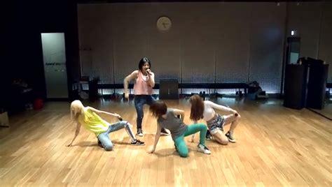 tutorial dance falling in love 2ne1 2ne1 reveals dance practice video for quot falling in love