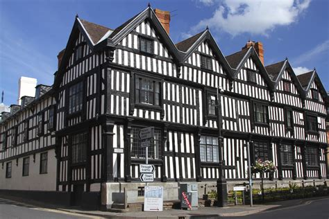 ledbury medieval market town with the most photographed alleyway in england