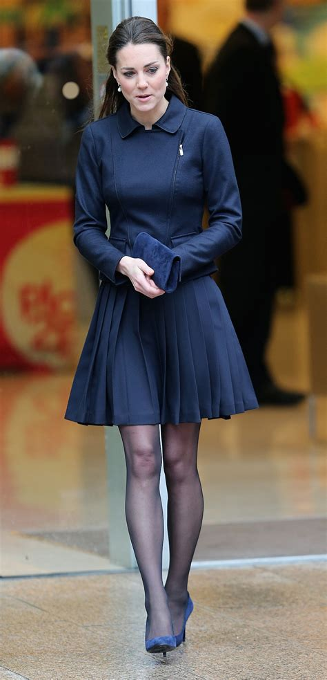 kate middleton dresses kate middleton in a navy dress kate middleton just gave