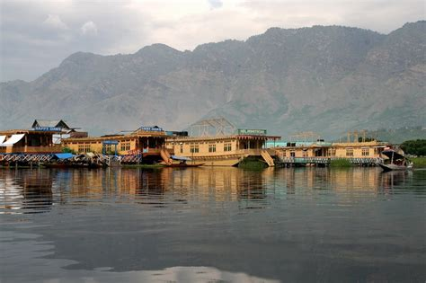 boat house kashmir boat house kashmir 28 images kashmir boat house photos gulmarg trip and dal lake flower