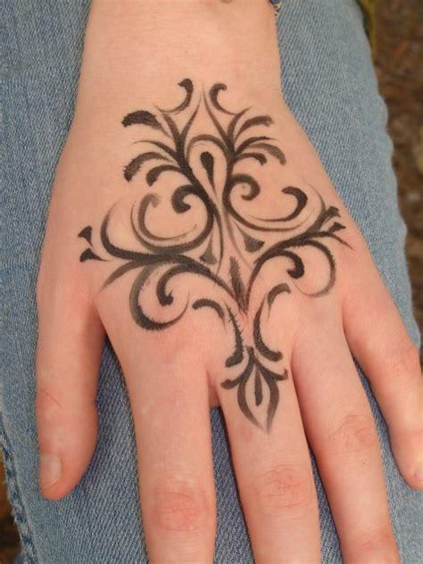 fashion fade style  eternal mehndi tattoo designs