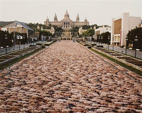 Real Pic Tunik by 20 Best Spencer Tunick Images On Barcelona