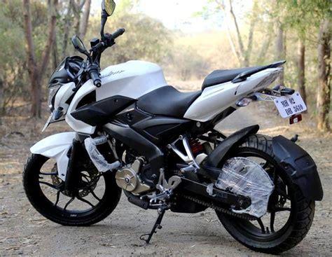 bajaj pulsar 200 ns pulsar 200 ns nueva motocicleta de bajaj locos por los autos