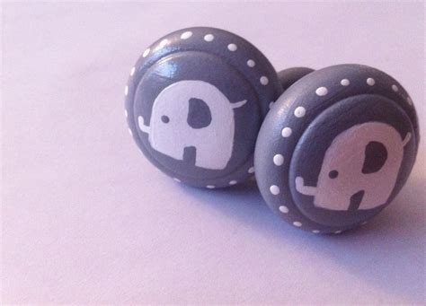 baby elephant drawer pulls drawer knobs hand painted in gray with white baby elephant