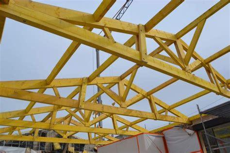 toiture de hangar hangar charpente bois lesoperasdebacchus