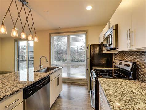 west apartments columbus ohio  bedroom kitchen apartminty