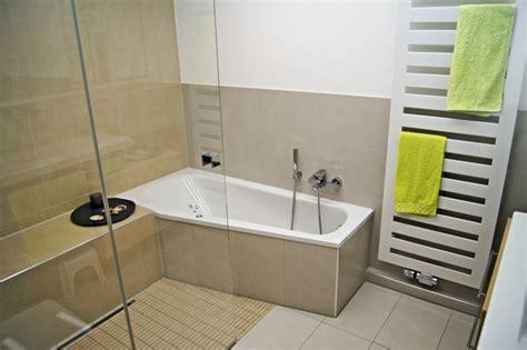 badezimmer in einer tasche badewanne gro best finest tfy extrem groe einweg
