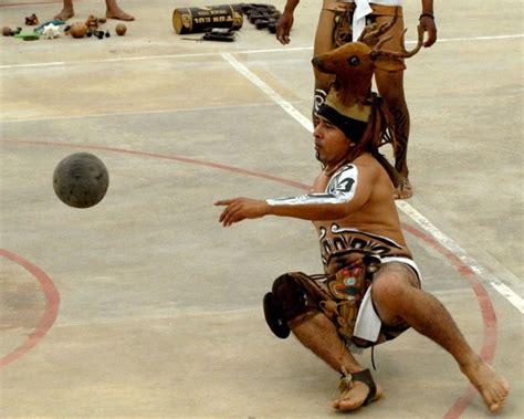 imagenes de los mayas jugando futbol el juego de pelota maya locuraviajes com