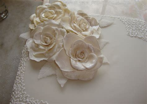 Wedding Cake Gum by Single Tier Square Wedding Cake With Gumpaste Roses