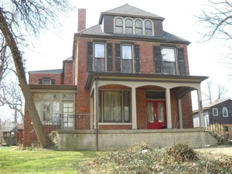 Houses For Sale In Beverly Chicago by Estate Sale Home In Beverly Awaits Your Magical Touch Yochicago